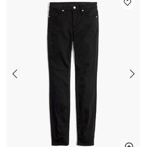 "Petite 9"" Mid-Rise Skinny Jeans in Lunar TENCEL™"